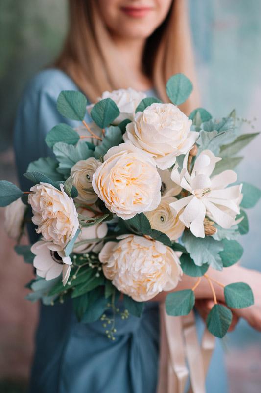 christine paper design, flori din hartie, ochisoru, made in romania, cristina ciovarta, artist roman, designer floral